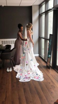 Is your wedding beginning to make you seem like a Hollywood Movie Producer? Even the selection of your wedding hair designs for you and the bridal party is seeming like a film set in Fantasyland. You are currently overwhelmed. You need aid with your wedding event hair. #weddingideasunique