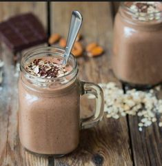 My top 7 healthy hot smoothie recipes. These healthy hot smoothie recipes to keep you going on those cold winter mornings. Smoothies Vegan, Juice Smoothie, Smoothie Drinks, Mocha Smoothie, Yummy Drinks, Healthy Drinks, Healthy Snacks, Healthy Life, Justus Von Liebig