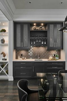 Transitional Home Bar by Horizon Pacific Contracting Home Decor Kitchen, Kitchen Interior, New Kitchen, Home Interior Design, Home Kitchens, Kitchen Wet Bar, Kitchen Bar Design, Kitchen Bars, Wet Bar Basement
