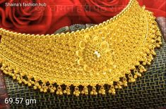 Gold Jewelry Simple, Gold Wedding Jewelry, Gold Mangalsutra Designs, Gold Jewellery Design, Gold Jhumka Earrings, Gold Choker, Choker Necklaces, Gold Necklace, Gold Costume Jewelry