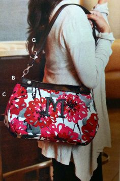Suite Skirt Purse shown in new pattern Bold Bloom....This is so adorable!! www.mythirtyone.com/Stephanie-Koos-31