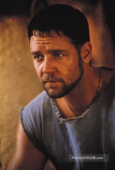 Russell Crowe as Maximus Decimus Meridius in Gladiator Russell Crowe Gladiator, Hollywood Actor, Best Actor, Gorgeous Men, Movie Stars, Famous People, Famous Men, Thriller, Actors & Actresses
