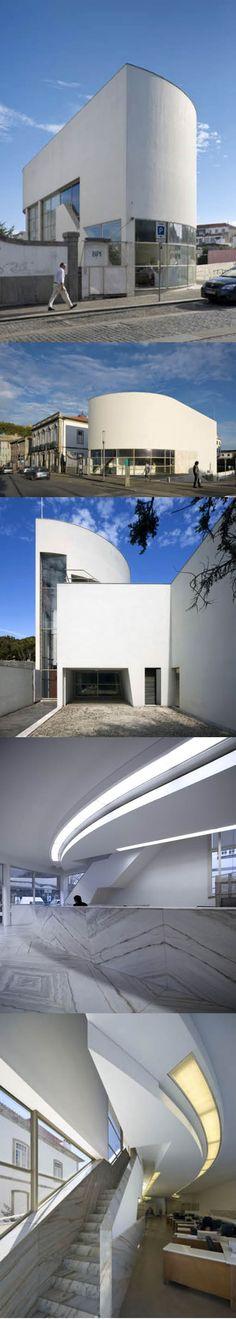 1969-1974 Álvaro Siza Vieira - Filial do Banco Borges & Irmão / Vila do Conde Portugal / concrete stone / white / minimalism