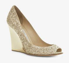 If I were a shoe girl...Gold Glitter Wedges #hotshoes