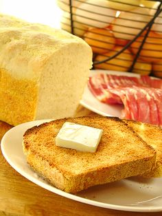 Easy English Muffin Bread Recipe~ Makes the best toast! *Easy Rustic Bread recipe on this link too! Cooking Bread, Bread Baking, Baking Soda, Croissants, English Muffin Bread, English Muffins, Bread Recipes, Baking Recipes, High Altitude Baking