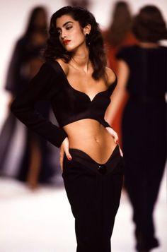 Fashion Week, Look Fashion, High Fashion, Fashion Show, Fashion Models, Fashion Outfits, Fashion Tips, Fashion Design, 90s Fashion Grunge