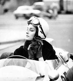BILDER MACHEN MODE - Gundlach. Berlin 1960; motor racing track