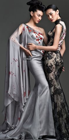 Dresses from NeTiger's Spring 2013 collection that blends Western haute couture and qipaos. Evening Dress Long, Evening Dresses, Couture Fashion, Runway Fashion, Womens Fashion, Asian Fashion, High Fashion, Style Chinois, Couture Collection