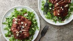 With perfectly seared steak, caramelized shallots and tangy blue cheese served over arugula, this miraculously fast one-pan meal delivers on fancy steakhouse vibes without the hefty price tag.