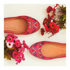 Rosas ou vermelhas? Não importa quando as duas são lindas  eaicomprou.miarte.com.br #queromiarte #Eaicomprou