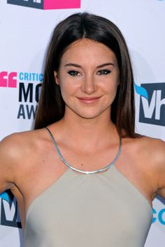 Shailene Woodly, Divergent Movie, Star Wars, Flawless Face, Hollywood Stars, Beautiful Actresses, American Actress, Gorgeous Women, Movies And Tv Shows