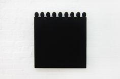 Schwarzes Quadrat mit Ovalformen- 1996 - 78 x 71 x 6 cm - Mikrophonschutz und Filz auf Holz