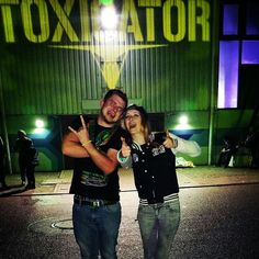 By d.w_king: Hakken hakken weiterspakken xD @daria_wdk  #rockerraver #toxicator #2015 #toxic #mannheim #hakken #rave #hardstyle #hardtechno #uzuzuz #kleineschwester #feiern #party #hakken #gabermadness