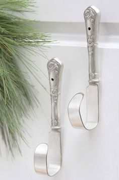 upcycling ideas kitchen utensils from old makes new cool craft ideas DIY craft ideas old kitchen stuff wardrobe made of knives ideas for the home old stuff 101 ausgefallene Upcycling Ideen mit alten Küchenutensilien Silverware Jewelry, Spoon Jewelry, Recycled Silverware, Metal Crafts, Diy And Crafts, Fork Crafts, Metal Projects, Old Kitchen, Kitchen Stuff