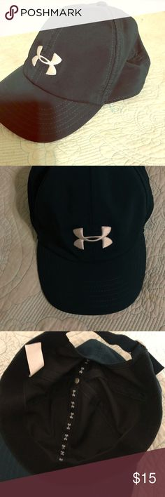Under Armour Logo Women's Cap In Teal Under Armour Logo Cap in Teal Women's  Built in heat gear to keep away sweat and keep you dry  Adjustable Strap closure Under Armour Accessories Hats
