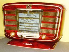 "1950's ""modern"" radio"
