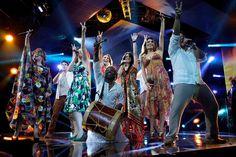 El folclor colombiano se manifestó en el show de los participantes del equipo que lidera el cantante samario, quienes bailaron e interpretaron uno de los grandes éxitos de su entrenador.