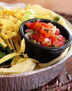 Salsa Fresca (Pico de Gallo) Best Pico Recipe, Salsa Recipe, Cafe Rio Recipes, Restaurant Recipes, Copycat Recipes, Huevos Rancheros, Salsa Fresca, Carnitas, Chiles Rellenos