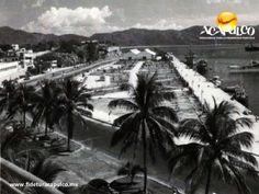 #acapulcoeneltiempo El jardín del malecón de Acapulco. ACAPULCO EN EL TIEMPO. A finales de la década de los años 40 y a principios de los 50, el malecón del puerto contaba con un extenso y hermoso jardín. Dicho espacio lo ocupa actualmente, el edificio de la Administración Portuaria Integral de Acapulco. Te invitamos a conocer más información, visitando la página oficial de Fidetur Acapulco.