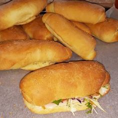 Ψωμάκια αφρός για... όλες τις χρήσεις.!!!! συνταγή από Athina K. - Cookpad Hot Dog Buns, Hot Dogs, Cookbook Recipes, Cooking Recipes, Bread And Pastries, Pizza, Food, Recipe, Chef Recipes