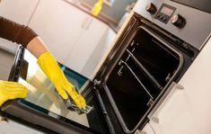 Uunista saa pinttyneenkin lian irti ilman myrkyllisiä tai vahvoja pesuaineita. Anna.fi kokosi parhaat niksit uunin puhdistamiseen.
