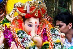 Ganpati Bappa Morya Pudchya Varshi Lavkar Ya....