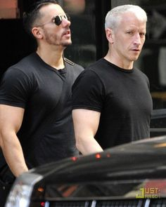 Anderson Cooper has stated his intentions to marry his boyfriend, gay bar owner Benjamin Maisani, in New York City. He considered coming out to the public when same-sex marriage became legal in New York. The couple have been dating since Anderson Cooper Boyfriend, Anderson Cooper Mother, Celebrity Stars, Celebrity Couples, Gloria Vanderbilt, Vanderbilt Houses, Cornelius Vanderbilt, Same Love, Being A Mom
