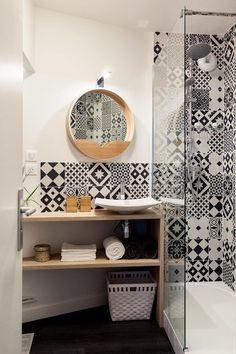 Idée décoration Salle de bain Tendance  Image   Description  Rénovation complète d'un appartement de 30m²: Salle de bain de style de style Scandinave par MadaM Architecture #Appartmentdecoration