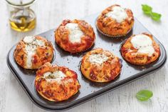 15 modi per dire pizza - Best finger food list Finger Food Appetizers, Appetizer Recipes, Sandwich Recipes, Pizza Recipes, My Favorite Food, Favorite Recipes, Easter Dishes, Pizza Muffins, Pie Tops