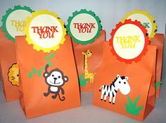 favor bags Safari Theme Birthday, Safari Birthday Party, Jungle Party, Animal Birthday, Baby Party, 1st Birthday Parties, Diy Party Loot Bags, Noahs Ark Party, Baby Shower