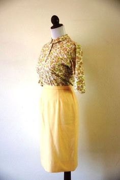 The Peggy Vintage 1960s Golden Pencil Skirt by RetroKittenVintage, $42.00