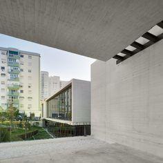 """Biblioteca Municipal """"Manuel Altolaguirre"""" / CDG Arquitectos © Santos-Díez"""