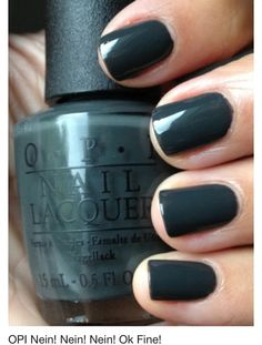 I usually don't like green nails, but this is a gorgeous shade.