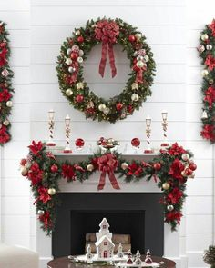 100 Elegant Christmas Decorations Which Defines Sublime & Sophisticated - Hike n Dip Give your Christmas home the elegant touch. Here are Elegant Christmas Home Decor ideas. These Christmas decors are simple, DIY Decors which you can do. Elegant Christmas Decor, Christmas Decorations For The Home, Xmas Decorations, Beautiful Christmas, Holiday Decor, Handmade Decorations, Diy Christmas Fireplace, Christmas Mantels, Noel Christmas
