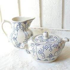 Your place to buy and sell all things handmade Sugar Pot, Tea Service, Cream And Sugar, Fine China, Cottage Chic, Earthenware, Tea Pots, Shabby Chic, Sugar Bowls