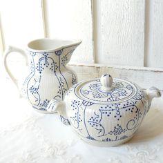 vintage sugar and cream set, sugar bowl, sugar pot, cream pitcher, earthenware sugar bowl, creamer. €29,50, via Etsy.