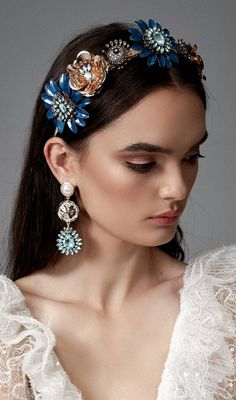 Our favourite - the Navy Aida crown is back in stock! Featuring navy florals with aqua jewels this piece is easy to wear all day. Match with the Aqua Aida earrings to complete your look 🙌🏻 Winter Wedding Bridesmaids, Winter Bridesmaid Dresses, Winter Wedding Colors, Bridesmaid Outfit, Wedding Colours, Christmas Wedding Outfits, Wedding Shoes, Wedding Jewelry, Bridesmaid Headband