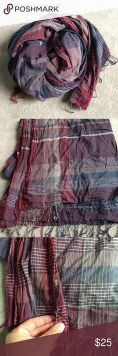 Tea collection plaid scarf Beautiful navy and pink plaid cotton scarf by Tea collection. Excellent used condition Tea Collection Accessories Scarves & Wraps