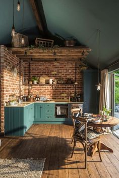Brick walls might be a new reference in your kitchen design! The monotonous kitchen design can disrupt the mood for people who want to cook. This is not good for a room in a house. Style At Home, Future House, Dark Ceiling, Ceiling Color, Ceiling Panels, Ceiling Beams, Sweet Home, Home Fashion, Interior Design Kitchen