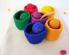 Juguete educativo de madera y ganchillo- Crochet and Wood educational toy - Montessori inspired toys - Juguetes sensoriales - Regalos niños