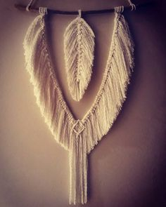 It's been a while since I have been able to work, and it took some time to complete this one but I really enjoyed getting back into it, hope you enjoy it to. #bohemiandecor #migramah #macrame #driftwood #ecofriendly #bohemianstyle #migramahancientart #feathers #macramewallhanging #macramefeathers #americanindianstyle #boho #bohemian #bohemianwallhangings