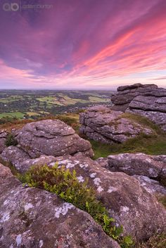 Daybreak on Dartmoor. what beautiful colours! Devon And Cornwall, Devon Uk, Devon England, Landscape Photography, Nature Photography, Skier, Dartmoor National Park, British Travel, British Countryside