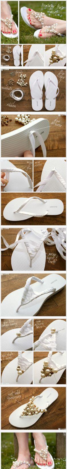 Cute and Easy DIY flip flops crafts-crafts-crafts Flip Flops Diy, Diy Mode, Beaded Sandals, Jeweled Sandals, Diy Clothing, Diy Tutorial, Diy Fashion, Diy Wedding, Wedding Shoes