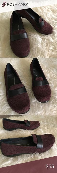 Dansko shoes Lovely pair of Dansko shoes. Plum suede body with pretty vine/leaf pattern. Black strap across toe. Low heel for extra comfort but cushioned foot beds. Excellent condition! Size 39 Dansko. Dansko Shoes