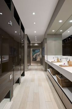 washroom facility..cool and sophisticated..alluding to hotel and not difficult to replicate this feel