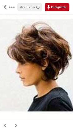 Mommy Hairstyles, Haircuts For Wavy Hair, Short Shag Hairstyles, Short Layered Haircuts, Long Hair With Bangs, Shaggy Short Hair, Short Curly Hair, Short Hair Cuts, Short Hair Styles Easy