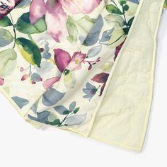 Quilt Shabby Chic Flores 230 x 250 cm | referência 26875583 | A Loja do Gato Preto | #alojadogatopreto | #shoponline Shabby Chic, 230, Napkins, Artisan, Quilts, Green, Home, Throw Pillows, Bedspreads