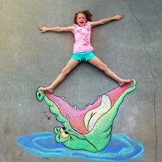Such a cute idea for a chalk drawing on the sidewalk. Great for Disney fans & Peter Pan fans alike!