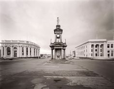 Boer War, Invercargill southland 1980 L. Architectural Photographers, Landscape Photographers, Composition Techniques, Photography 2017, Black And White Landscape, Donia, Black And White Background, Rule Of Thirds, Building Facade