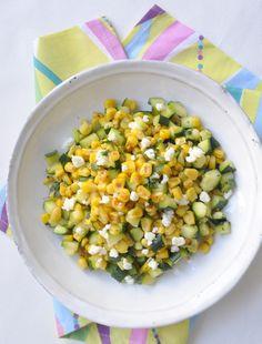 Poêlée de maïs doux aux courgettes, féta et herbes fraiches